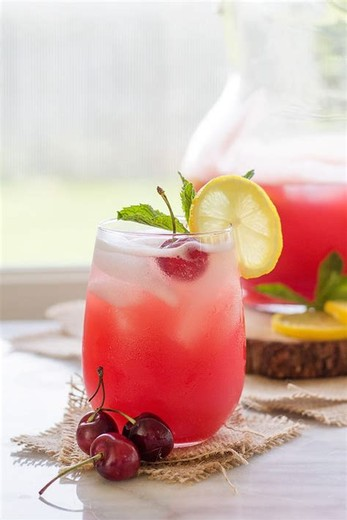 Carlson Cherry Lemonade